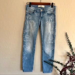 {Hollister} Light Skinny Floral Jeans {0}